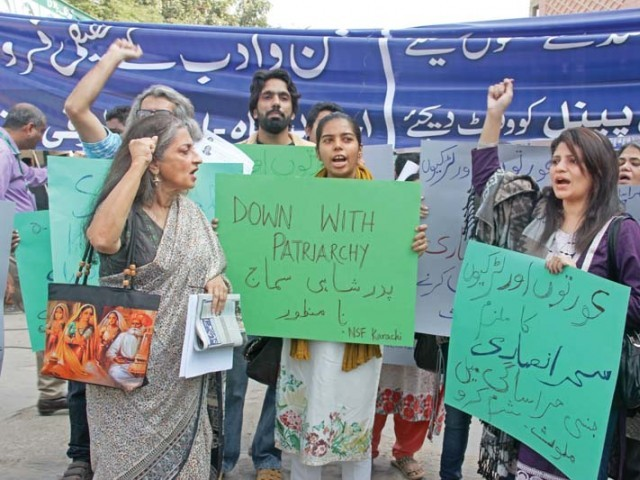 Led by Sheema Kermani, activists belonging to National Students Federation, Karachi, and other groups gathered at Arts Council to make their voice heard against Ansari, who is facing investigations on charges of sexual harassment in the Sindh ombudsman secretariat. PHOTO: AYESHA MIR/EXPRESS