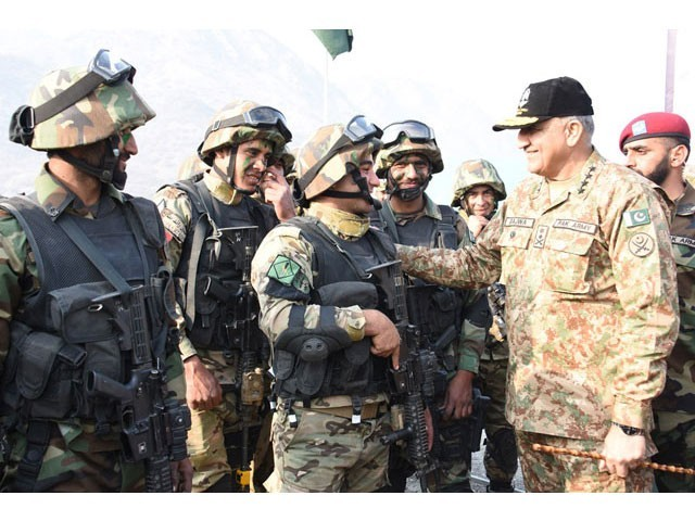 Army chief General Qamar Javed Bajwa meets with the participants of Pak-Jordan joint exercise Fajr Ul Sharq near Attock on Thursday. PHOTO: ISPR