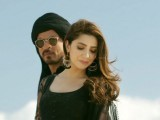 SRK and Mahira Khan in latest Raees song. PHOTO: YOUTUBE SCREENGRAB