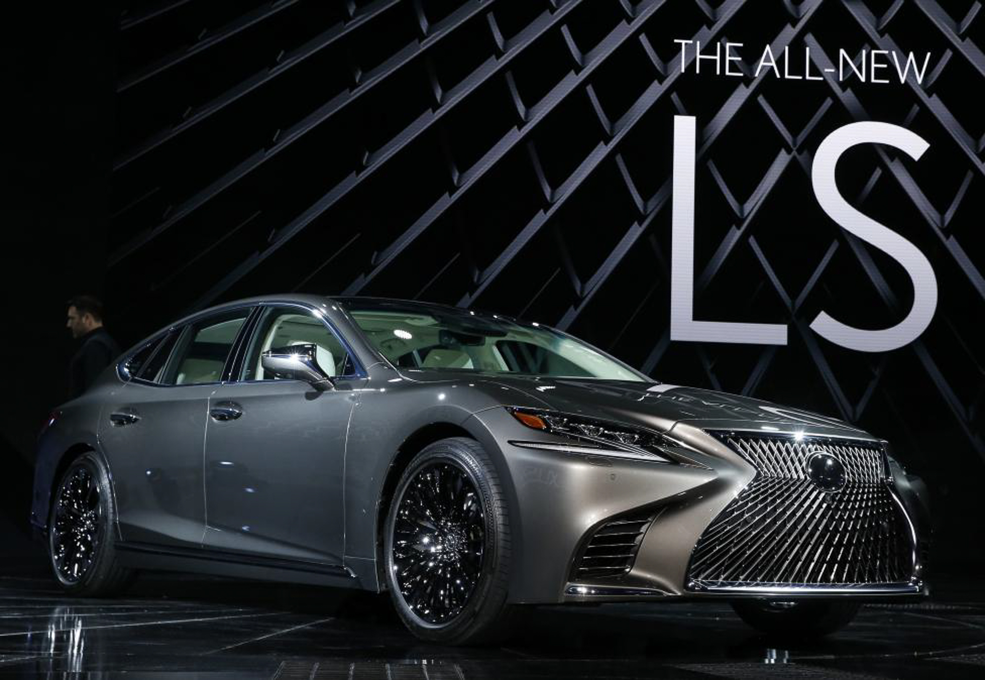 The 2018 Lexus LS 500.  PHOTO: REUTERS