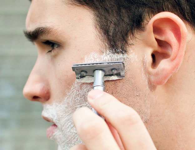 4 ways men can battle skin problems | The Express Tribune