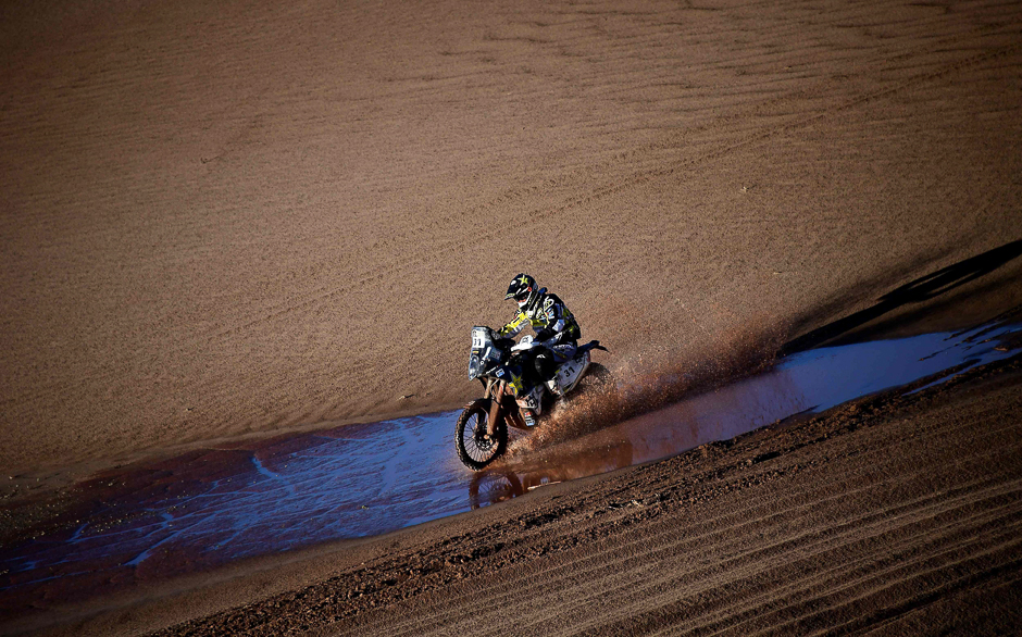 France's biker Pierre Alexandre Renet powers his Husqvarna uring Stage 8 of the 2017 Dakar Rally between Uyuni in Bolivia and Salta in Argentina. PHOTO: AFP