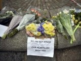 floral-tributes-are-seen-in-westminster-the-day-after-an-attack-in-london
