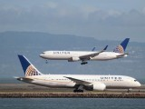file-photo-a-united-airlines-787-taxis-as-a-united-airlines-767-lands-at-san-francisco-international-airport-san-francisco