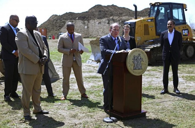 Detroit Mayor Mike Duggan, speaks during a ground breaking ceremony for a Flex-N-Gate manufacturing facility within the I-94 Industrial Park in Detroit, Michigan, US, April 24, 2017.  PHOTO: REUTERS
