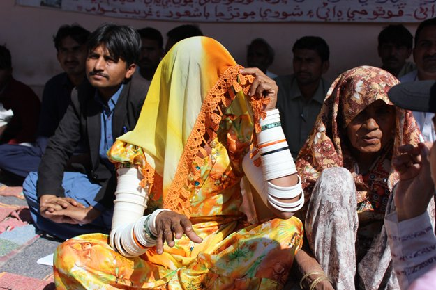 Women also join the protest at Islamkot Press Club urging government to stop work on the construction of the reservoir