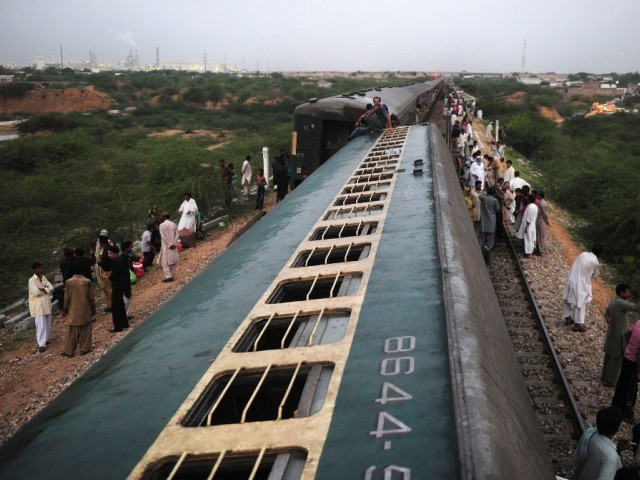 Driver killed in a cargo train accident in Jamshoro