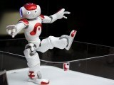 nao-humanoid-robot-that-offers-basic-service-information-moves-at-mufg-branch-in-tokyo