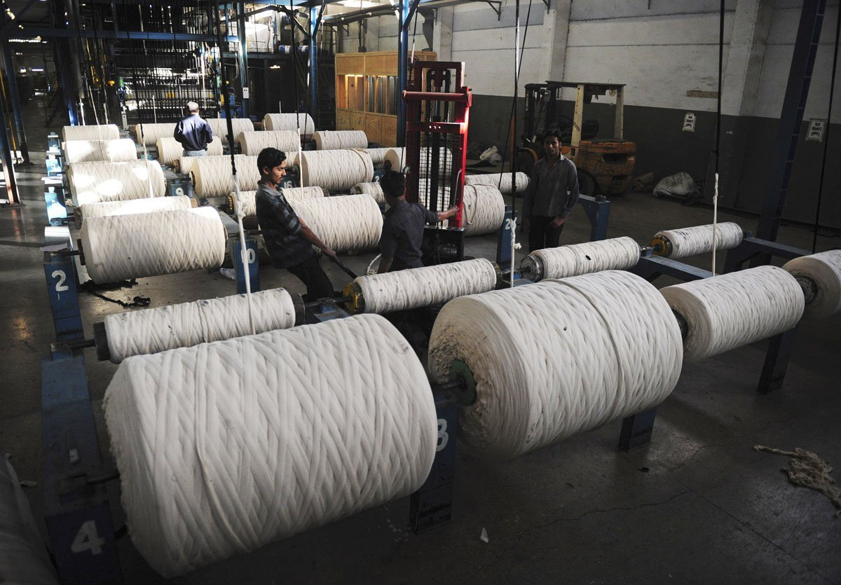 textile-factory-power-loom-thread-garment-export-electricity-labour-industry-photo-afp-2-3-2-2-3-3