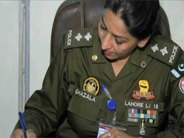 Sub-Inspector Ghazala Sharif is now the SHO of the Rang Mahal Police Station in Lahore. PHOTO: Twitter