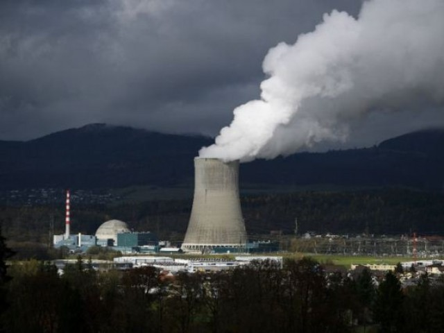Swiss Voters Back Phaseout of Nuclear Power