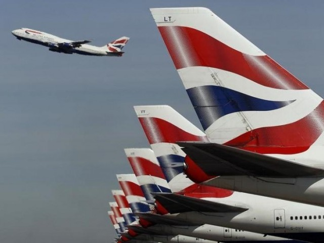 'Significant' number of holidaymakers still without luggage after BA IT failure