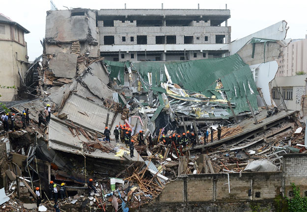 1 dead in building collapse in Sri Lanka