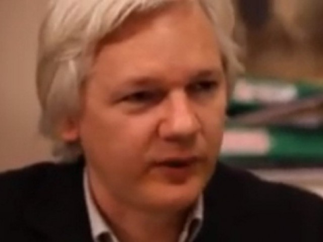 WIkiLeaks founder Julian Assange speaks with Pakistan Tehreek-e-Insaf (PTI) chairman Imran Khan while interviewing the latter in 2013. PHOTO: YouTube