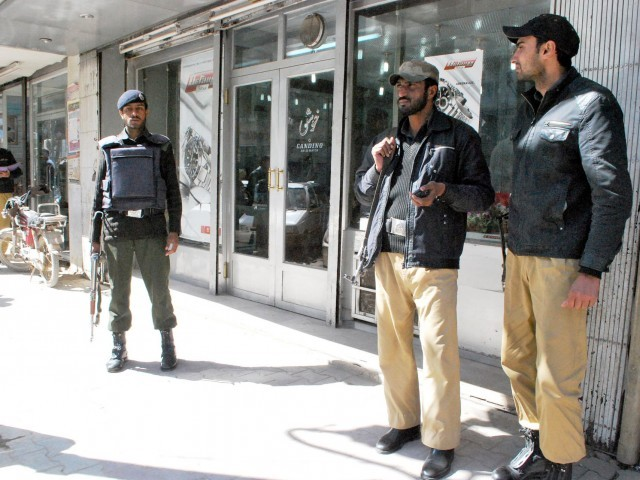 Gunmen kill 2 police in Pakistan