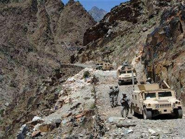 Afghan, US forces assault al Qaeda in Tora Bora PHOTO: Reuters