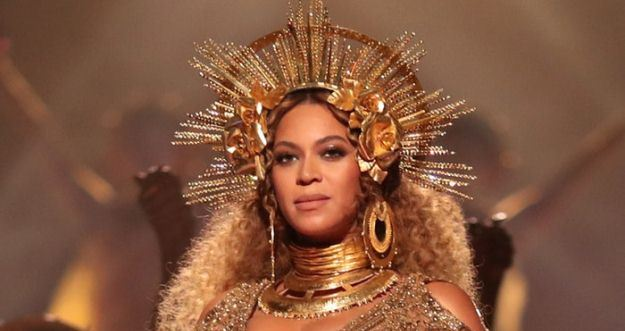 Reports fly that Beyonce gave birth to twins