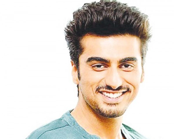 Arjun Kapoor: Ileana D'Cruz has hit me in every scene in 'Mubarakan'