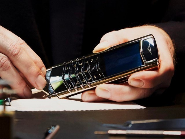 Luxury smartphone maker Vertu closes its doors, facing liquidation