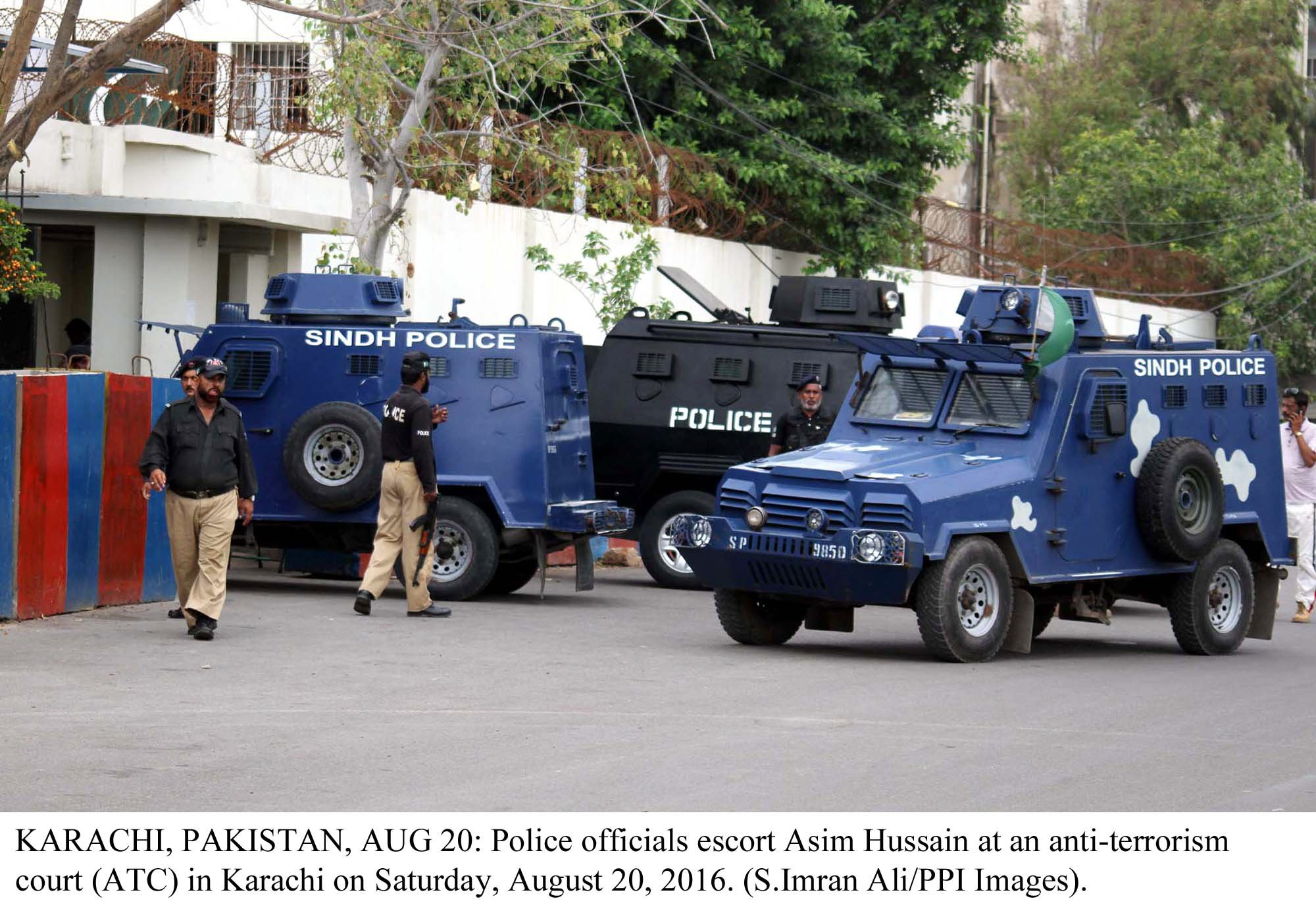 Karachi polce. PHOTO: PPI