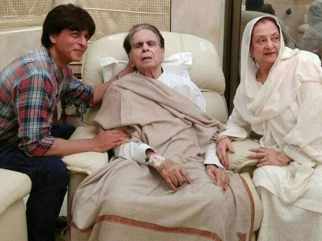 Shah Rukh Khan, Dilip Kumar's 'Mooh-Bola-Beta' Visits The Legendary Actor