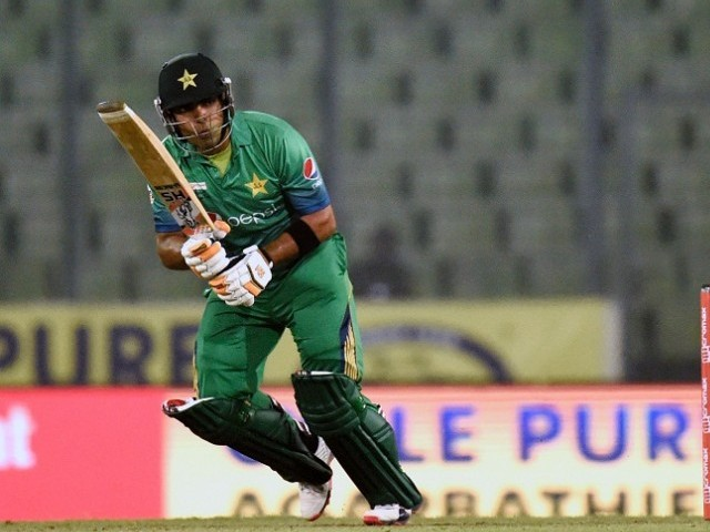 PCB serves show-cause notice to Umar Akmal