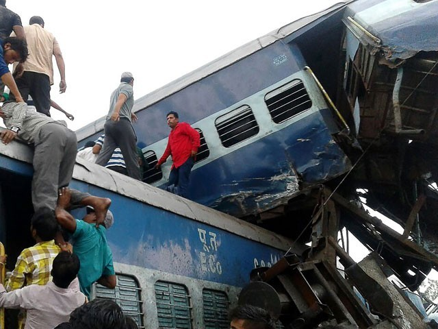 Utkal Express derails in Muzaffarnagar; many reported dead, several injured