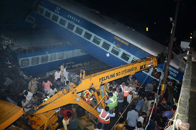 Kalinga Utkal express derails in Muzaffarnagar, 10 dead, more than 100 injured
