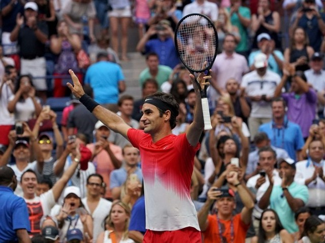 Roger Federer holds off Frances Tiafoe in US Open first-round thriller