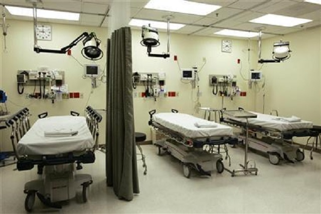 beds-lie-empty-in-emergency-room-of-tulane-university-hospital-in-new-orleans-2
