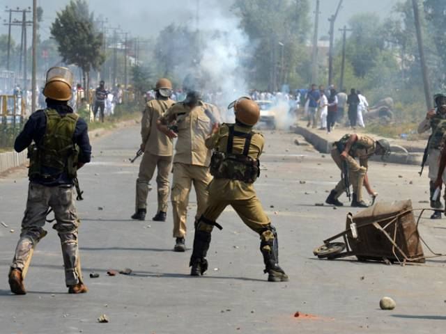 Sources say that the Indian army killed the two Kashmiris near the Line of Control (LoC).PHOTO: AFP