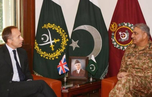 British High Commissioner Thomas Drew calls on Chief of Army Staff (COAS) General Qamar Javed Bajwa. PHOTO COURTESY: ISPR