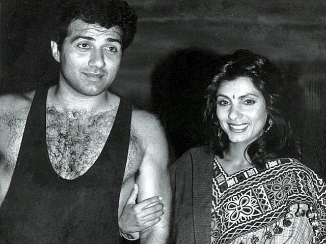 Dimple Kapadia and Sunny Deol's London outing goes viral