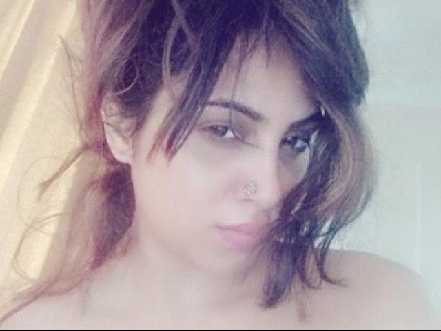 Controversial Arshi Khan 'called Afridi' right before entering Bigg Boss house