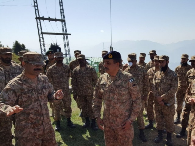 Rawalpindi Corps Commander Lt Gen Nadeem Raza visits LoC on Monday. PHOTO: ISPR