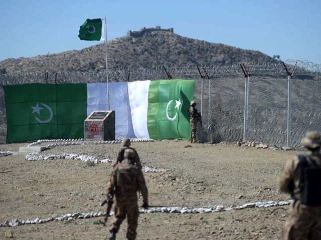 Pakistan says fence on Afghan border will reduce attacks