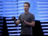 facebook-ceo-mark-zuckerberg-holds-a-pair-of-the-touch-controllers-for-the-oculus-rift-virtual-reality-headsets-during-the-facebook-f8-conference-in-san-francisco-california