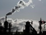 smoke-is-released-into-the-sky-at-an-oil-refinery-in-wilmington-2