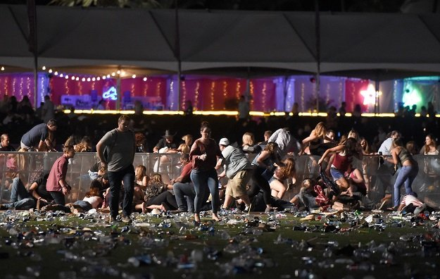 Las Vegas shooting: Stephen Paddock shot security guard minutes before killing 58