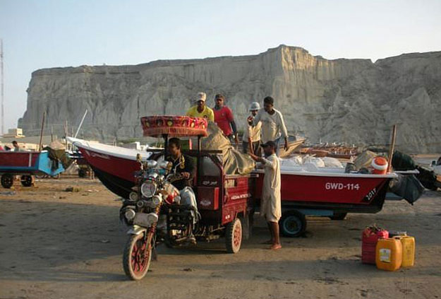 Gwadar, with a population of about 100,000 that is projected by one estimate to jump tenfold by 2050, has relied on fishing and the artisanal construction of boats for generations. PHOTO: AFP