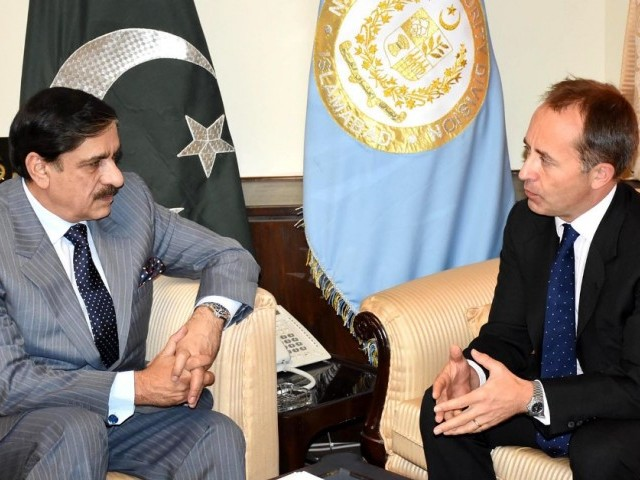 British High Commissioner Thomas Drew meets National Security Adviser Lt-Gen (retd) Nasser Khan Janjua on Nov 6, 2017 in Islamabad. PHOTO: INP