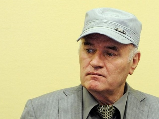 File Photo: Former Bosnian Serb commander Ratko Mladic appears in court at the International Criminal Tribunal for the former Yugoslavia (ICTY) in the Hague, Netherlands, June 3, 2011.  PHOTO: REUTERS
