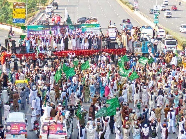 SC takes notice of Faizabad protest