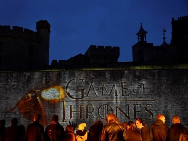 "Fans wait for guests to arrive at the world premiere of the television fantasy drama ""Game of Thrones"" series 5, at The Tower of London, England on March 18, 2015.  PHOTO: REUTERS"