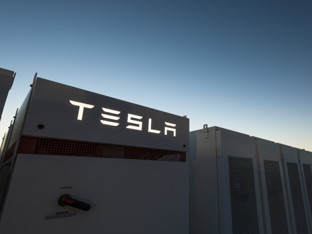 South Australia's big Tesla battery is built ahead of schedule!…
