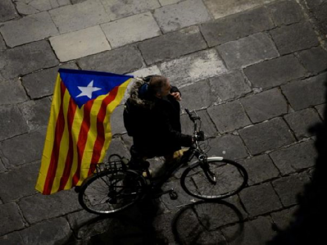 Thousands of pro-independence Catalans rally in Brussels