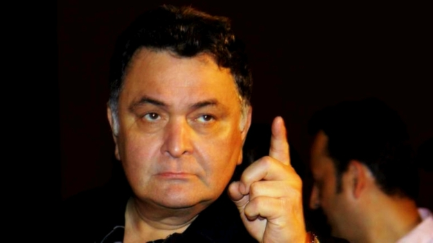 Rishi Kapoor strikes again; disallows journalists from father's book launch