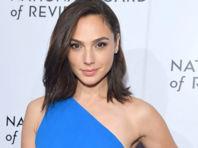 Gal Gadot delivers inspiring speech on gender equality at CCA