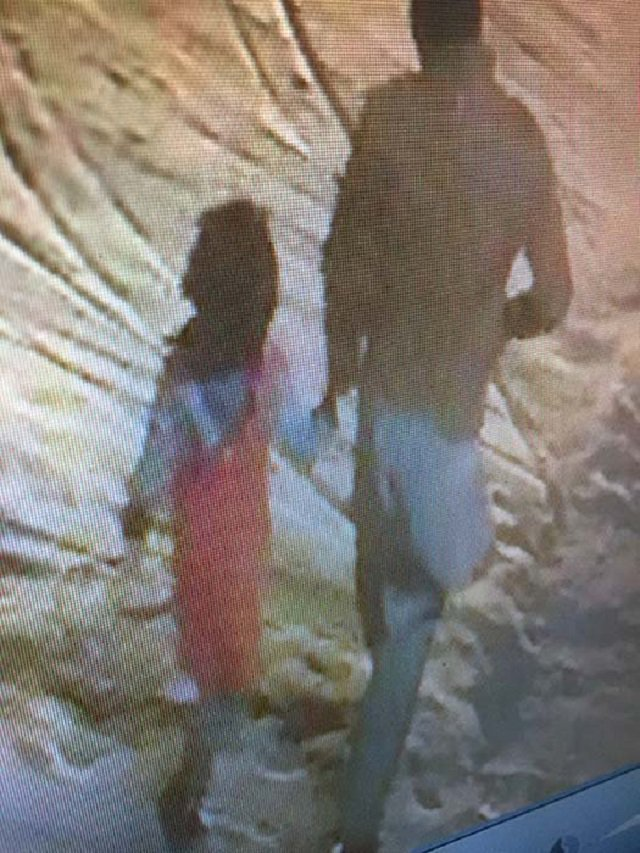 Sceengrab of CCTV footage of Zainab's alleged abduction in Kasur.