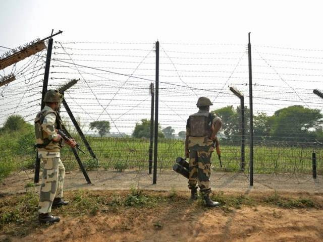 Indian troops fire kills four Pakistani soldiers in Kashmir